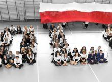 III LO w Łomży w 100. rocznicę odzyskania niepodległości przez Polskę